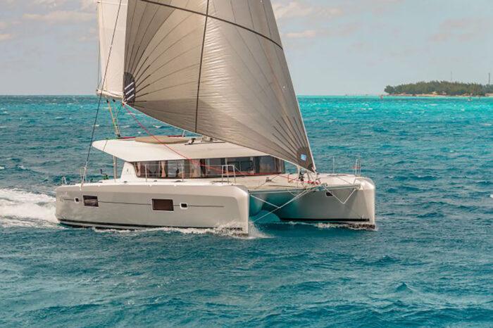 Split round trip on sailing yacht Lagoon 42